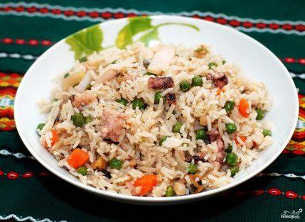 Басмати с овощами и морепродуктами