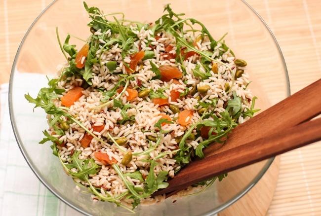 рисовый салат с курагой