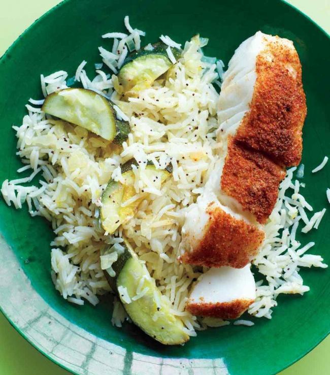 Сочная рыба с рисом на вине